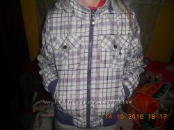 Гарненька і зручна двохстороння куртка для дівчинки