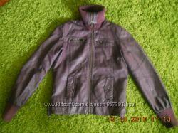 Фіолетова гарненька курточка