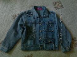 Джинсовая курточка на мальчика Hai li на 6 лет. Состояние отличное.