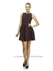 Платье черно-красное с интересной спинкой