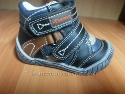 Новые демисезонные ботинки для мальчика Flamingo