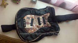 Сумочка для школьников в виде гитары