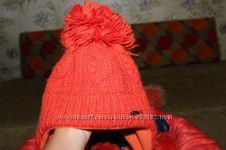 Фирменная зимняя шапка  для девочки Loman