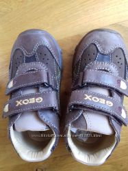 новые кожаные кроссовки Geox 13, 5см
