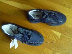 новые кроссовки Италия фирма Melania замша