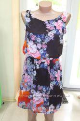 Молодежное шифоновое платье в цветах, р. 42-44