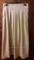 Длинная юбка с карманами из плотного трикотажа, размер 46-48