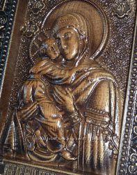 Деревянная резная икона Богоматери Владимирская
