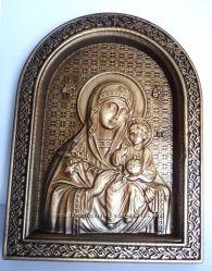 Деревянная резная икона Богоматери Неувядаемый цвет