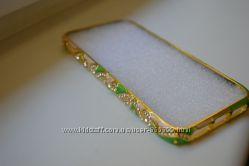 Металлический бампер со стразами  золото для Iphone 5 5S