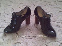 Стильные туфли оксфорды в отличном состоянии