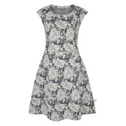 Жаккардовое платье с цветочным узором Laura Ashley