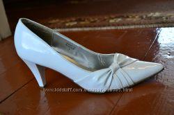 Лакированные свадебные туфельки