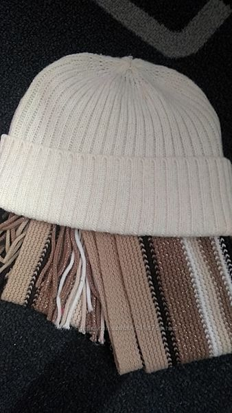 шапочка Reserved