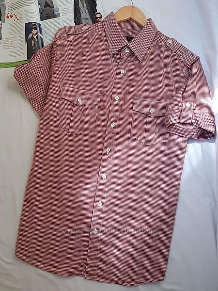 Стильная мужская рубашка с коротким рукавом