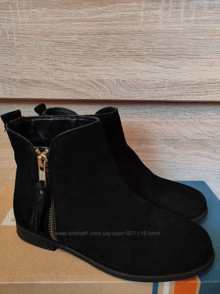 Демисезонные замшевые ботинки челси Next для девочки р.3213