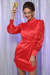 Женское красное атласное мини платье облегающего силуэта для торжества