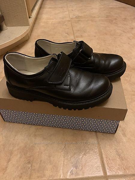 Туфли Ecoby 32 размер состояние новых