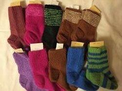 Детские вязаные носки, ручной вязки.