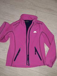 Яркая куртка кофта, ветровка для девочки Softshell Trespass р.110-116