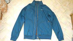 Куртка ветровка Reebok размер М новая