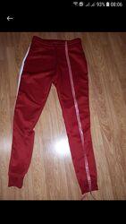 Фірмові спортивні штани