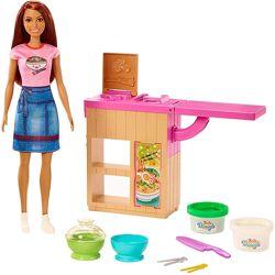 Игровой набор Сделай лапшу с куклой Барби Barbie Noodle Bar Playset with Br