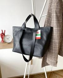 Итальянская черная кожаная сумка-шоппер с двумя ручками Vera Pelle, Италия
