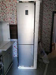 Продам новый холодильник Samsung