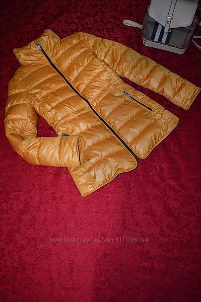 Очень крутая женская куртка   состояние как новое размер м.