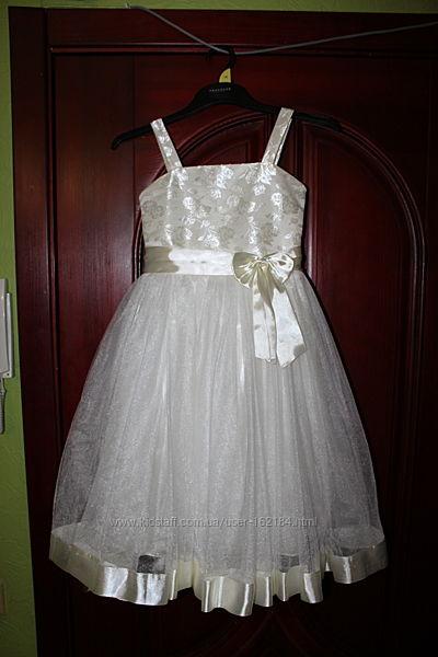 Нарядное платье девочке 6-7 лет рост 122 см