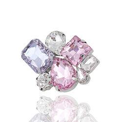 Брошь с разноцветными кристаллами