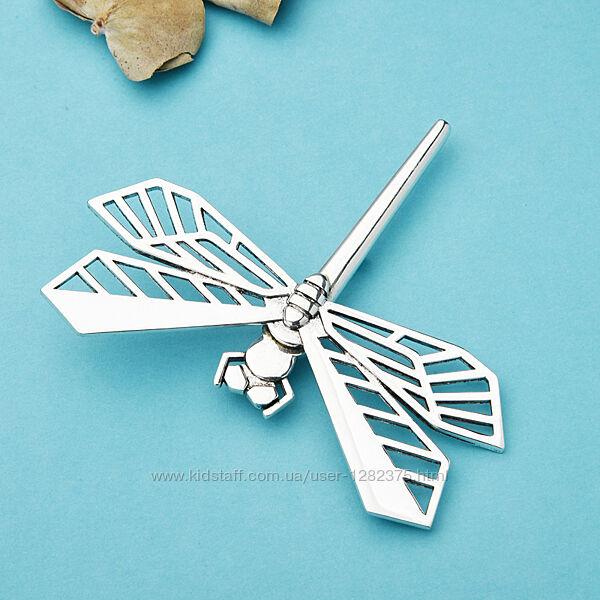 Брошь стрекоза большого размера в серебряном цвете
