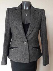 Красивый, неповторимый, строгий элитный,45 шерсти, качественный пиджак