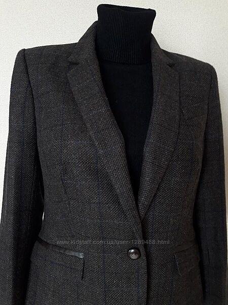 Красивый, деловой, стильный, теплый, фактурный качественный пиджак с латкам