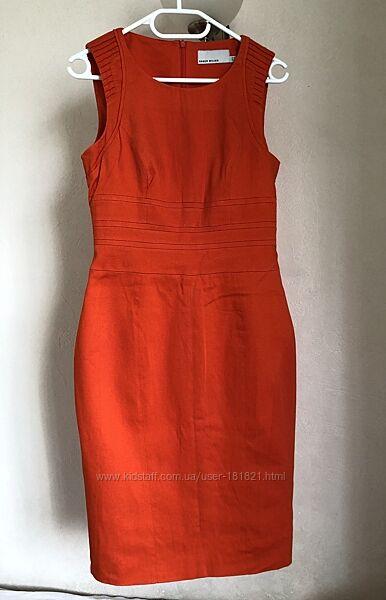 Яркое платье-футляр Karen Miller