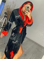 Женский длинный махровый халат с капюшоном черный с красными губами