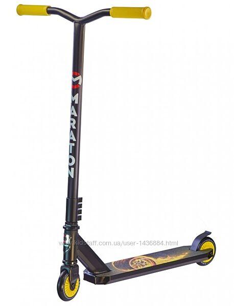 Трюковый самокат Maraton District черно-желтый принт колесо