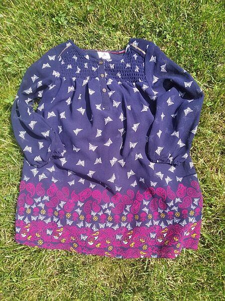 Легке плаття для дівчинки.