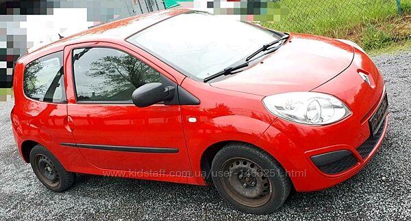 продам автомобиль Renault Twingo 1,2  комплект шин 2010 г.