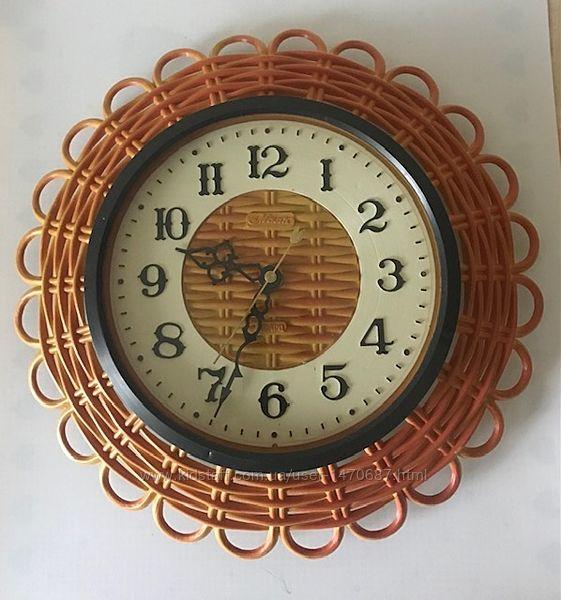 Часы кварцевые  настенные Маяк СССР
