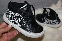Adidas кроссовки кроссы черные с белым адидас Adidas кросівки 25й