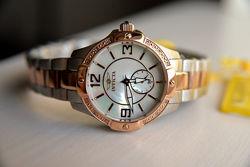 Бриллианты Женские часы с бриллиантами Invicta и набор ремешков