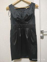 Черное новое атласное платье, короткое р.10/м бренд New Look