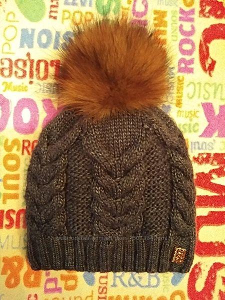 Теплая шапка на флисе с помпоном