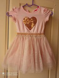 Платье нарядное р. 92