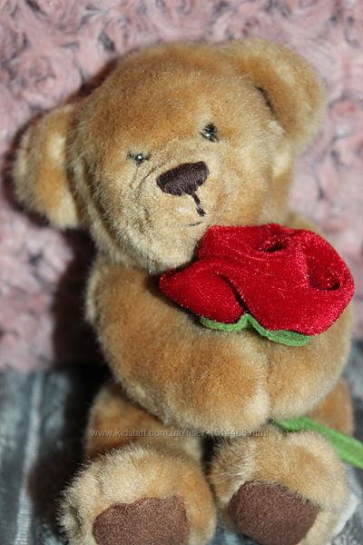 Медвежонок Russ berrie с розой