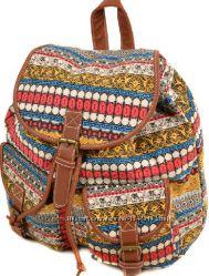 Отличный компактный молодежный рюкзачок с интересным орнаментом