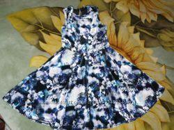 Нарядное платье на 6-7 лет