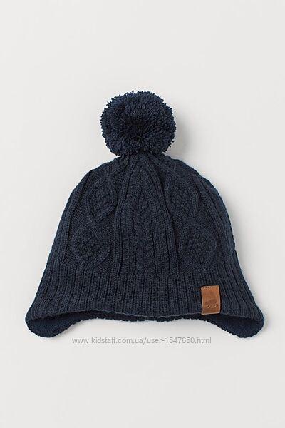 Темно-синяя вязаная шапка с помпоном и флисом на мальчика H&M